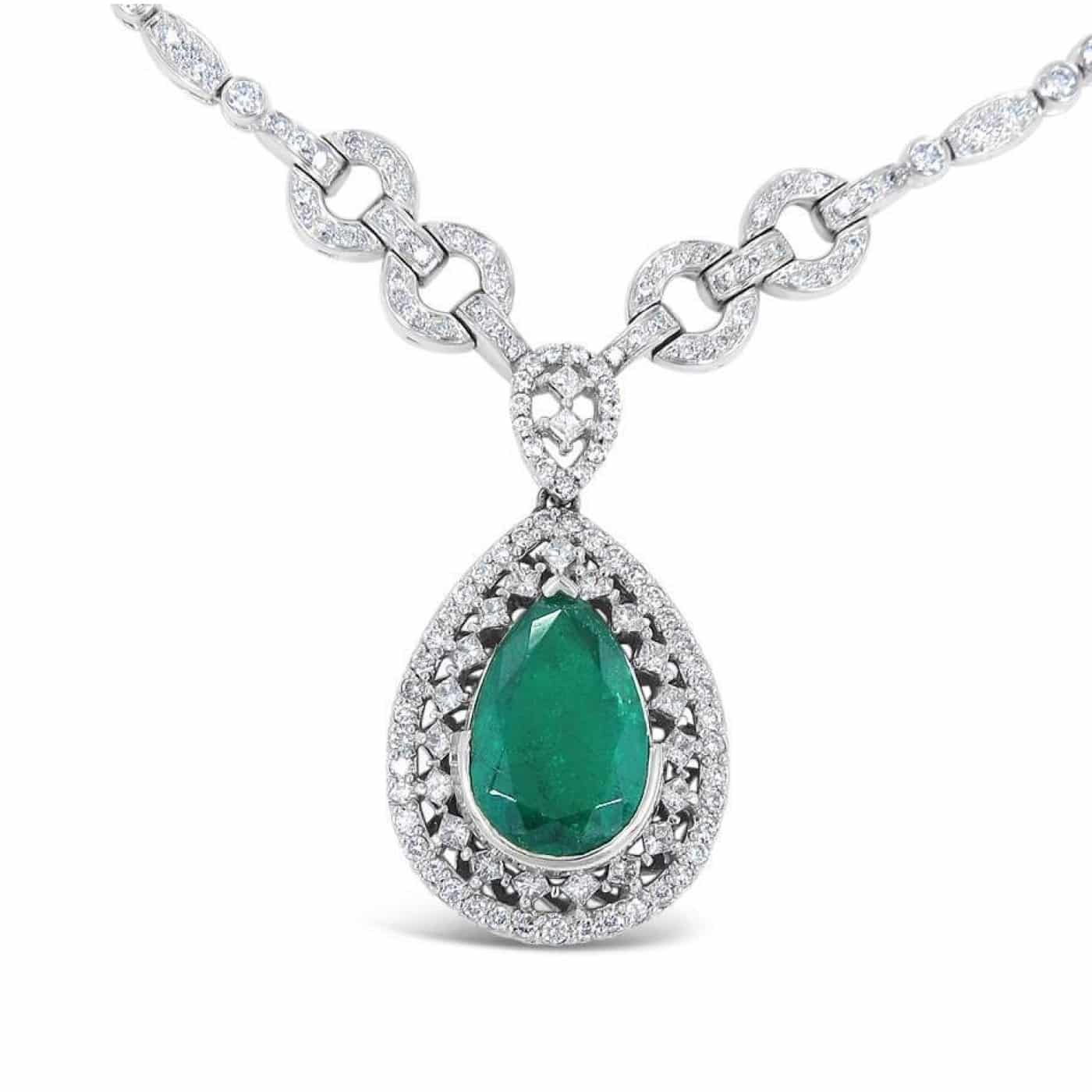 White Gold Pear Shape Emerald and Round/Princess Cut Diamond Necklace